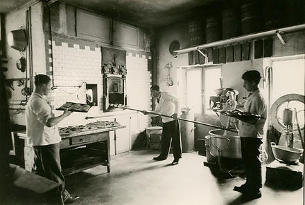 Laboratorio con Oliviero Filippini nel 1930