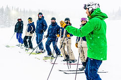 Åre skidlärarutbildning, skidintruktör, Skidlärare, skidlektion, skidåkare, snöar, vinter och kallt