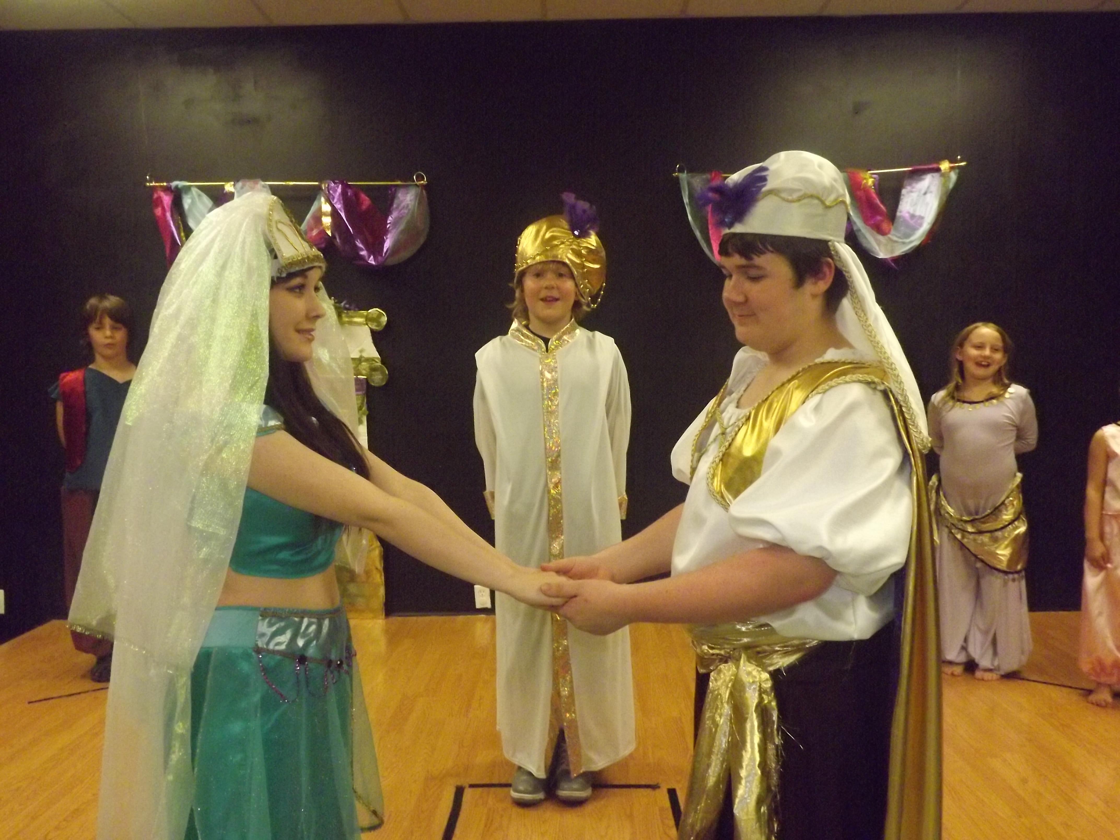 Jasmine, Aladdin and the Sultan