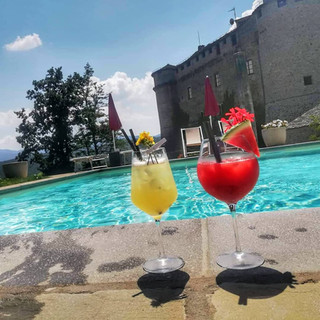 Castello di Compiano Piscina.jpg
