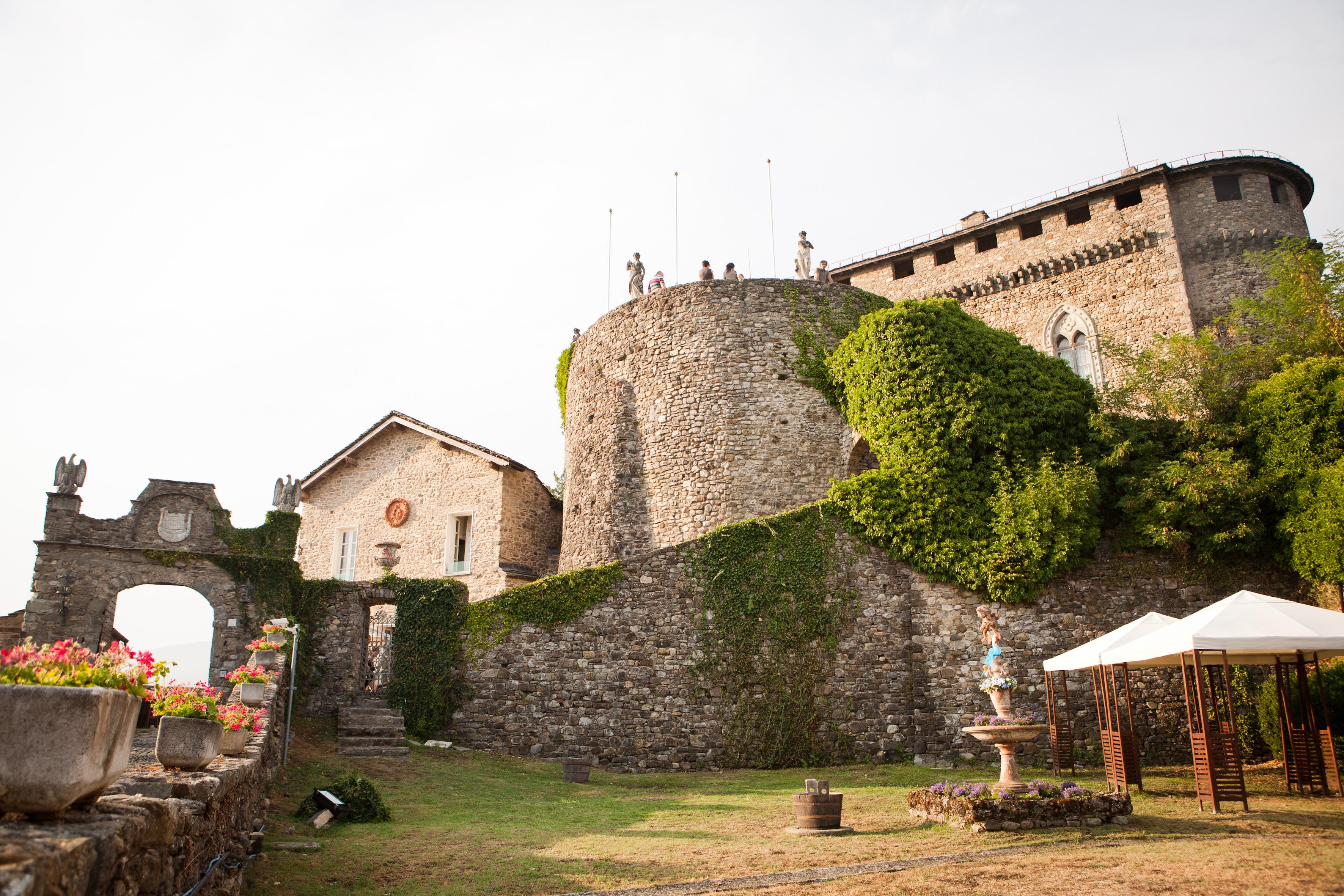 castello - veduta arco di ingresso