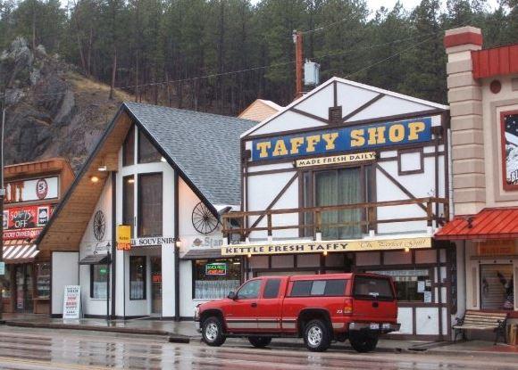 Cath Thomas: Taffy Shop