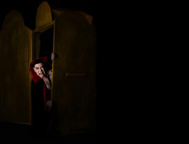 Tom O'Doherty: Dracula