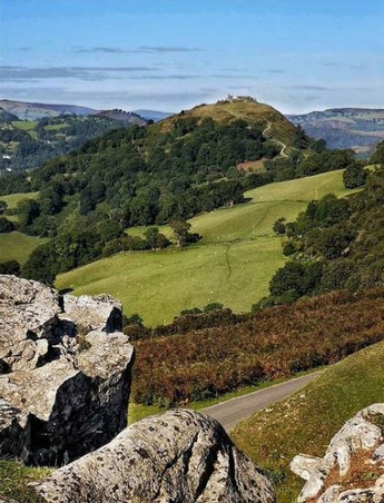Cath Thomas: Castell Dinas Brân
