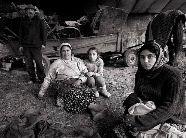 Des Clinton: Roma Family
