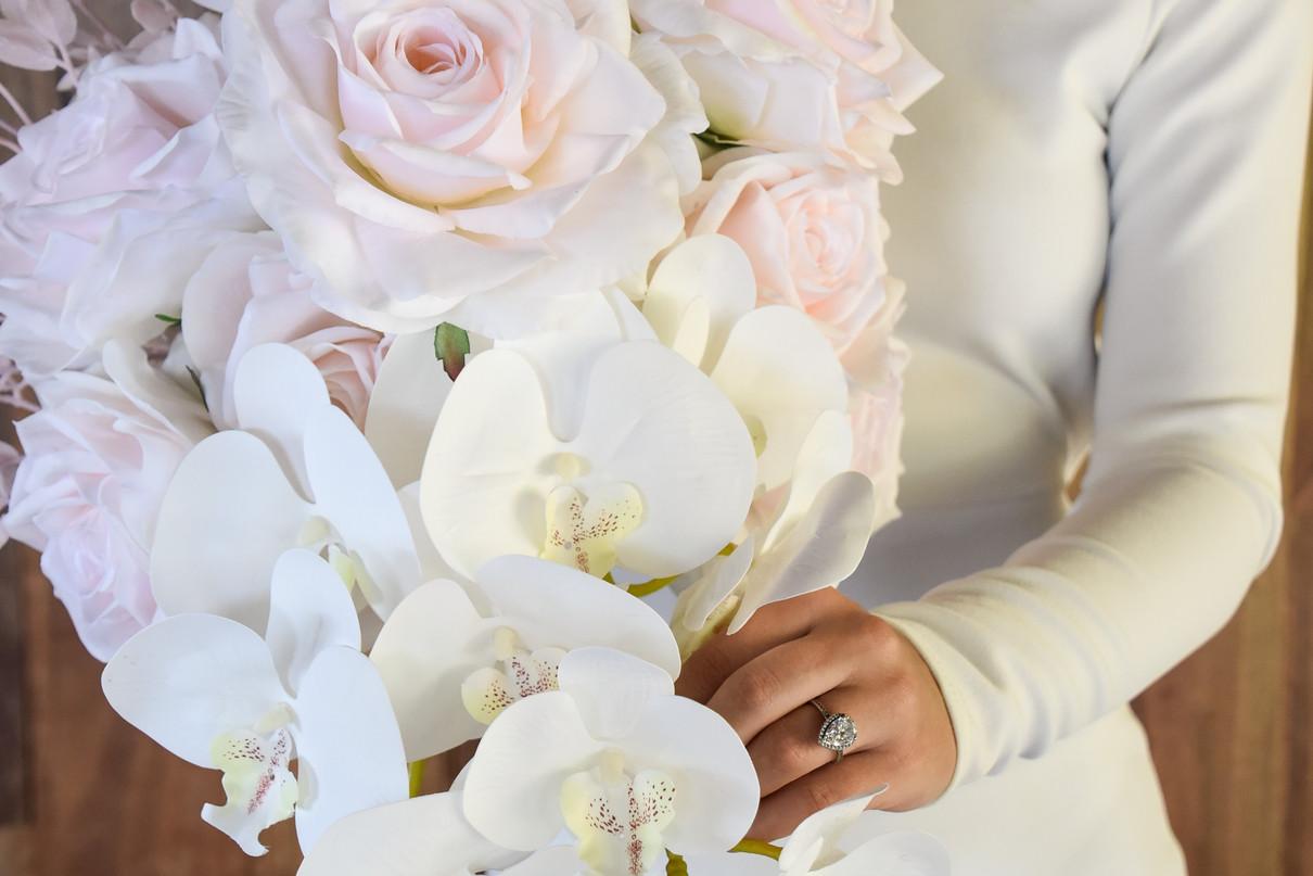 BLUSH ROSES & WHITE ORCHIDS BOUQUET HIRE g
