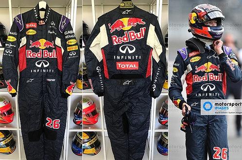 Race suit 2015 Daniil Kvyat Infiniti Red Bull Racing Renault Signed