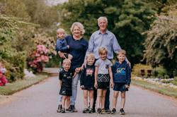 Extended family photogragher
