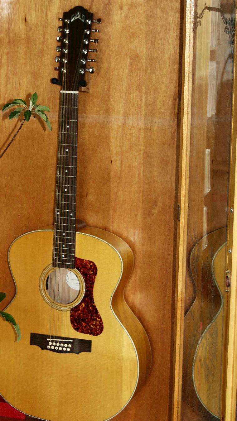 Guild Jumbo 12 String Solid Top Acoustic Guitar