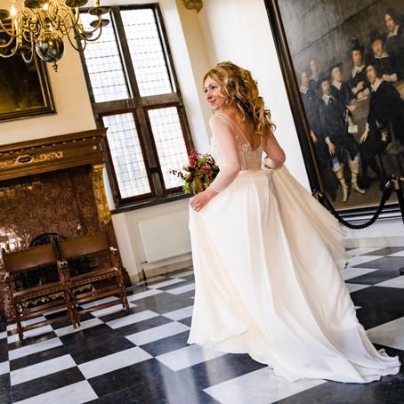 Natalja en Ron trouwen in oh oh Den Haag