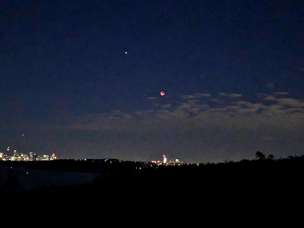 Total Lunar eclipse and mars at Opposition by Toner Stevenson