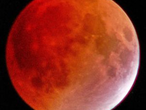 Tell your neighbours: there is a total Lunar Eclipse Wednesday 26 May, totality at 9:18pm