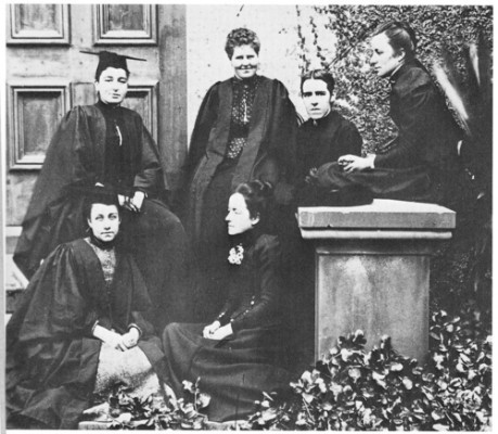 Dr Lucy Gullett, second from the left, at her graduation in 1901, photograph courtesy The University of Sydney