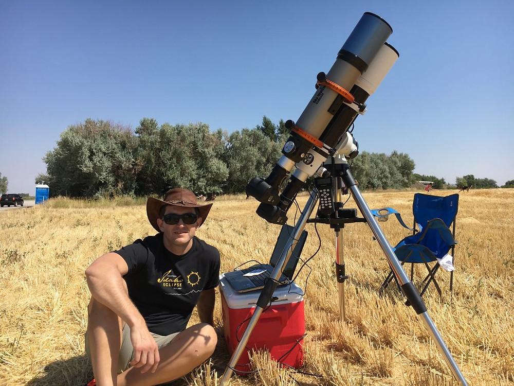Adriano Massatani preparing for the Total Solar eclipse 2017