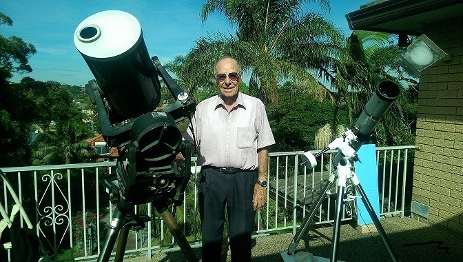 Monty Leventhal OAM making his daily solar observations in Sydney