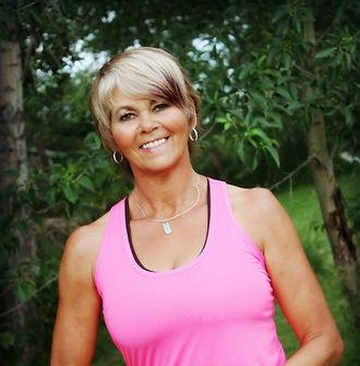 Lynn Brasnett at Dragons Heart Quilt Shop