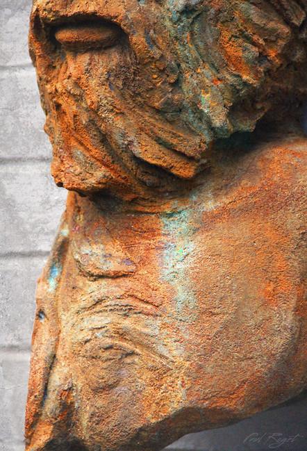 Man-Joogoordap close up sculpture Paul Roget.jpg