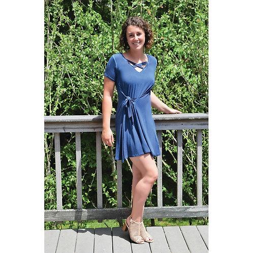 short sleeve criss cross neck dress w/ side front waist tie