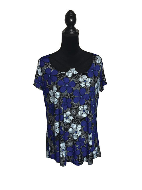 Plus size short sleeve top with floral print in blue tones