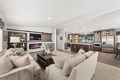 Central-Great-Plains-CN204-living-room-2
