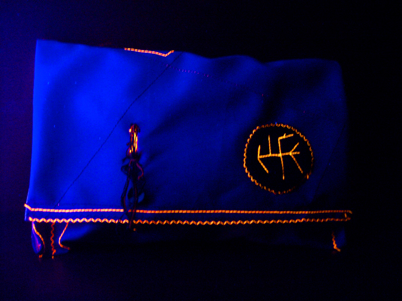 sewing - purse with fluo details