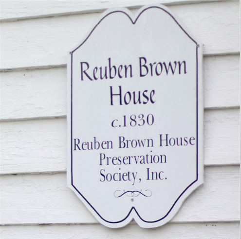 Reuben Brown House Preservation Society unveils two landmark plaques.