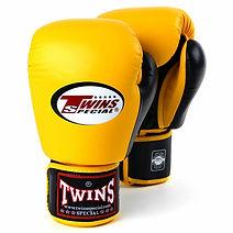 Twins_BGVL3_2-Tone_Boxing_Gloves_Yellow_Black_Front__26717.1576675573 (1).jpg