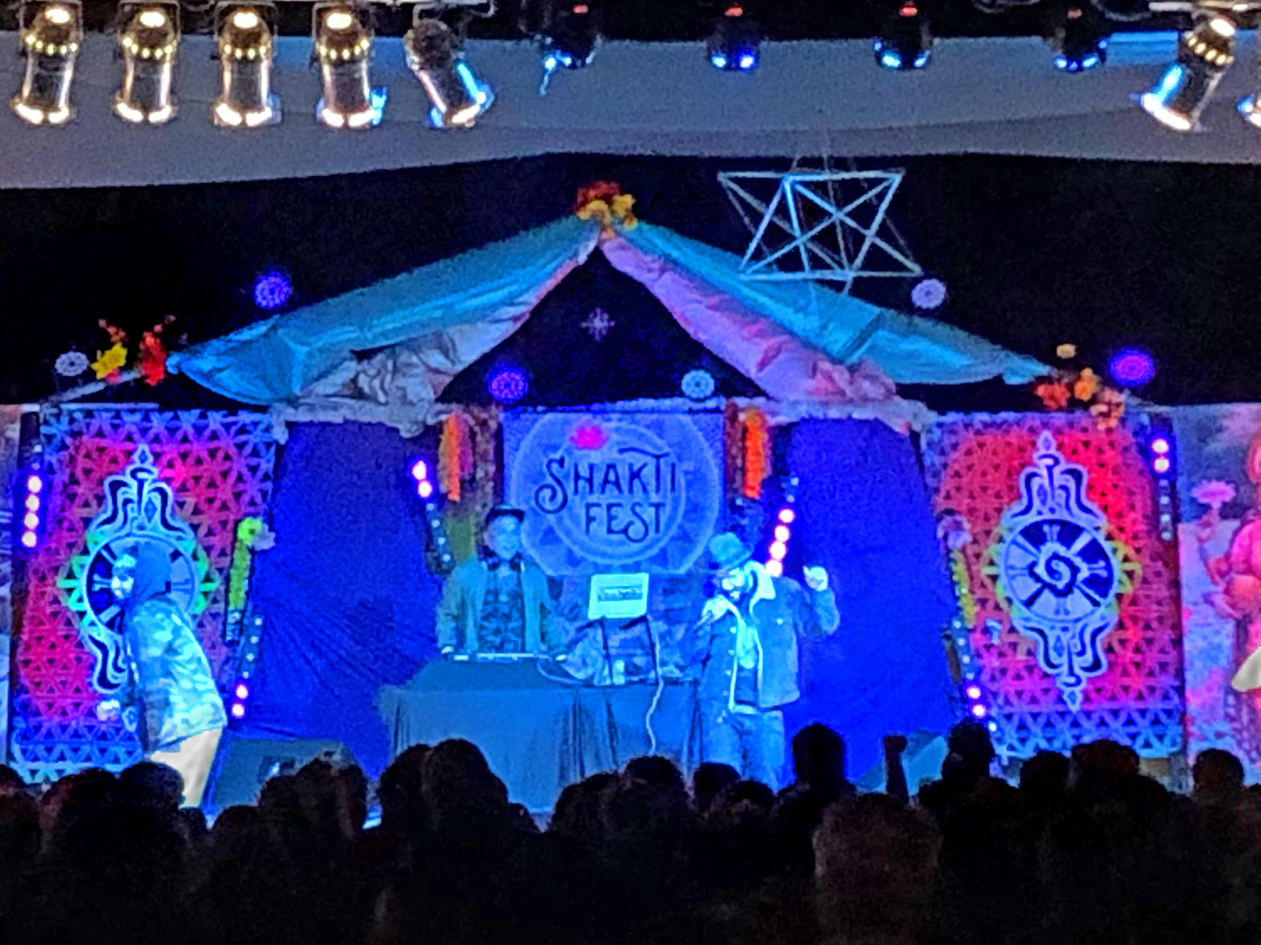 _SMG Shakti_ MC YOGI shamanatrix stage