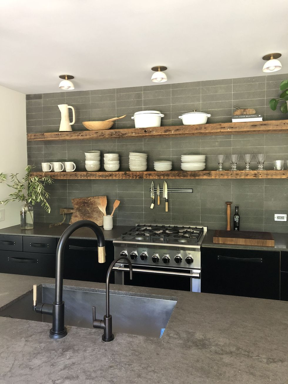 fall 2019 kitchen trends - open kitchen shelving