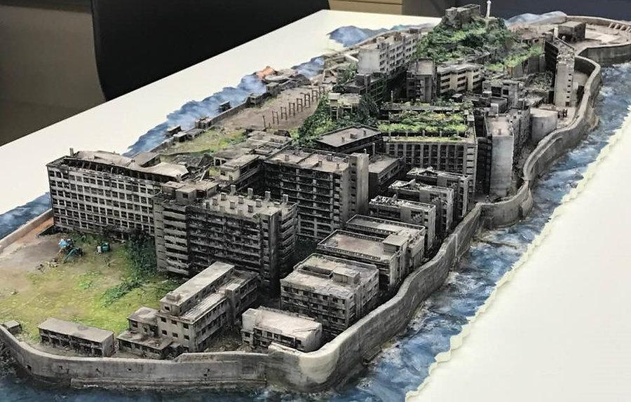 出水享。軍艦島3DCGを用いて3Dぷりんtプリンターで出力した軍艦島模型。