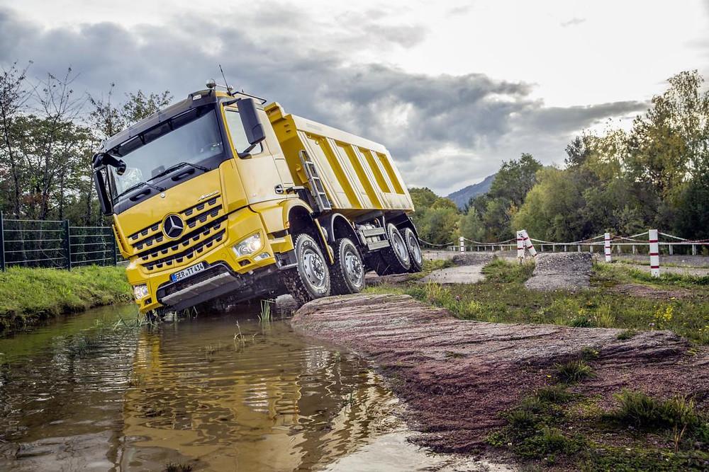 Mercedes-Benz Arocs auf der Liebherr RoadShow