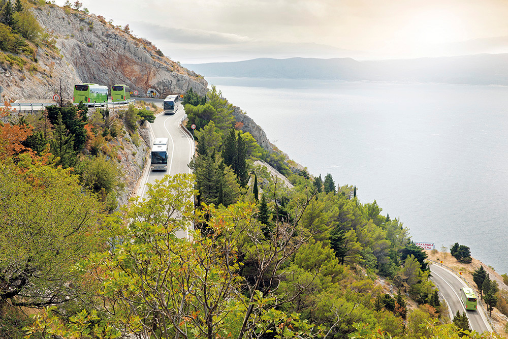 Mercedes-Benz Tourismo in Fahrt