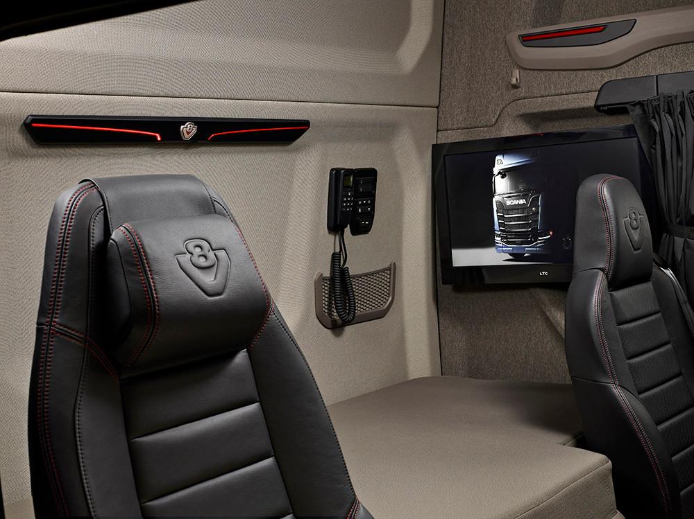 Scania S730 Innenraum Bett