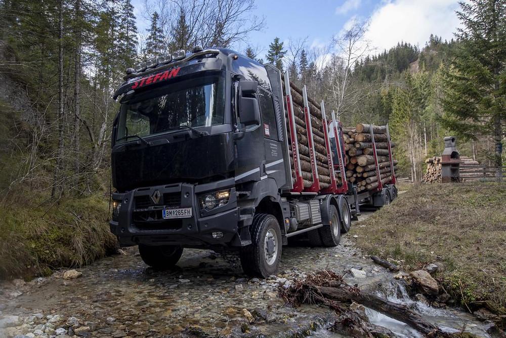 Renault Trucks im Wald