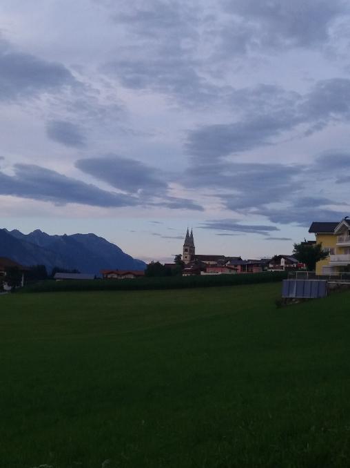 Wanderung Weerberg Tirol Abenddämmerung