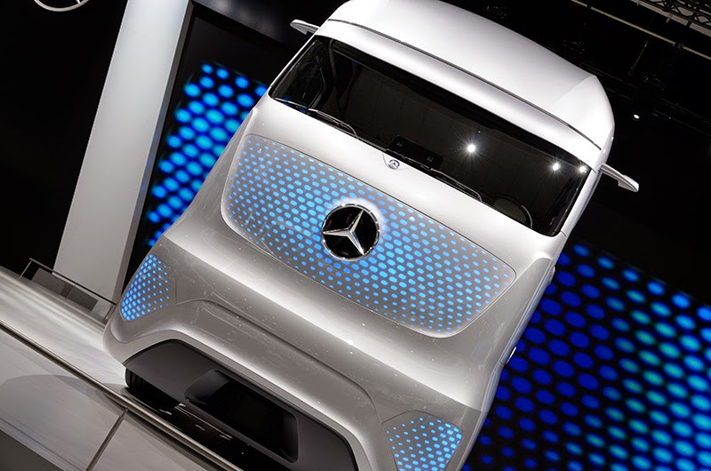 mercedes-benz future truck
