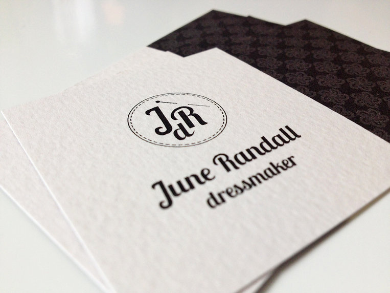 june randall dressmaker corporate design visitenkarte büttenpapier