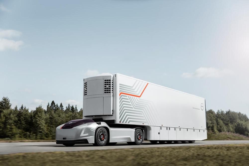 Volvo LKW mit Batterie