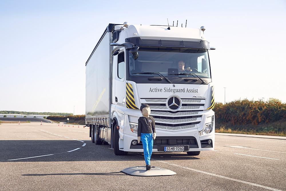 Assistenzsystem von Mercedes-Benz Trucks
