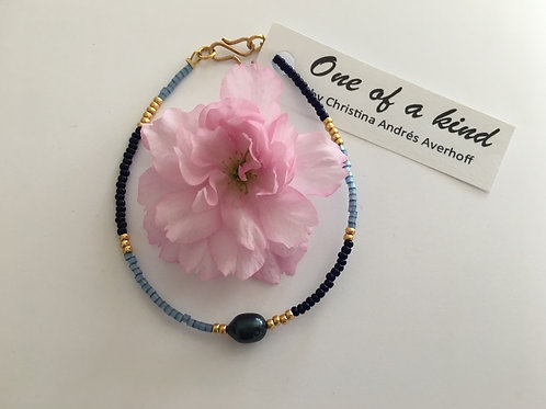 Navy, blue & gold with navy freshwaterpearl