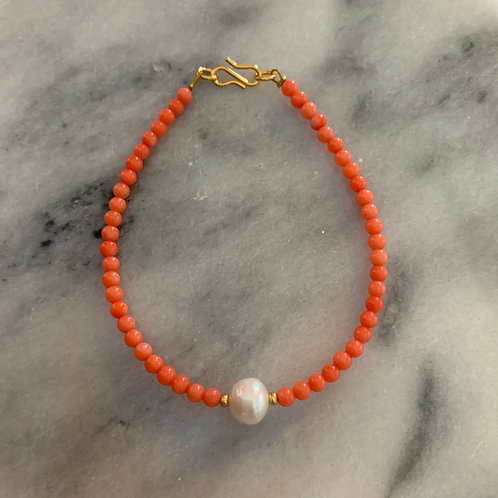 Coral bracelet with freshwater pearl