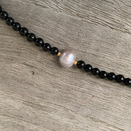 Black onyx bracelet with freshwater pearl