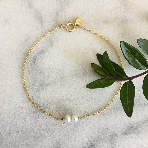 'Leaf' bracelet with 2 freshwater pearls