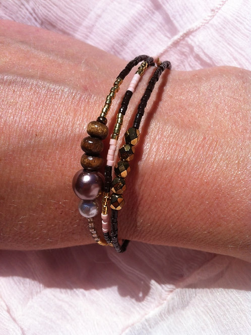 Brown, rose and gold bracelet of 3 strings