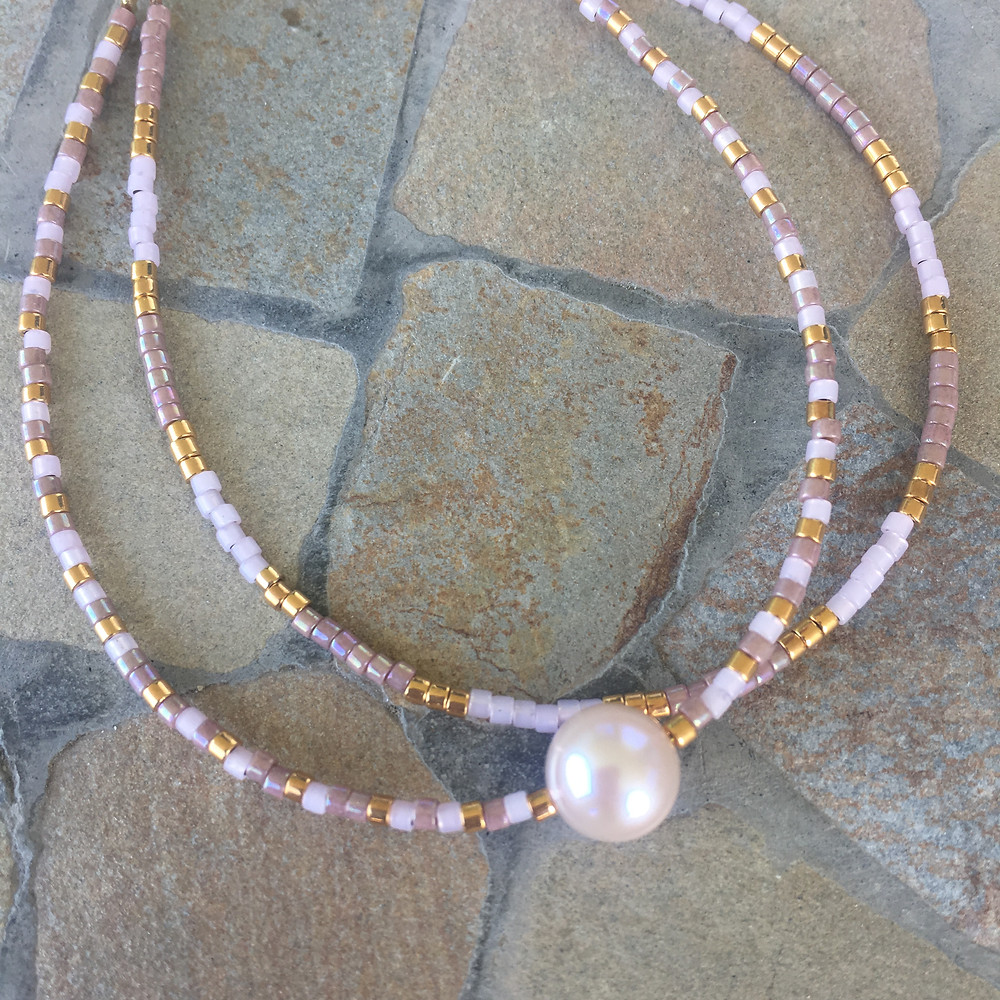 Jewelry design with freshwater pearl 400 kr.
