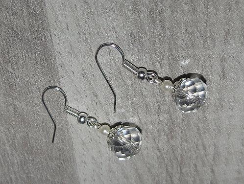 """Boucles d'oreille """"Ronde de verre"""" ivoire nacré, transparente"""