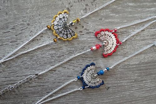 """Bracelet """"Eventail Brodé"""", argenté, 3 coloris"""