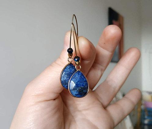 """Boucles d'oreilles """"Goutte Lapis Lazuli """" Longue, pierre naturelle, doré, gold,"""