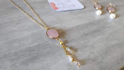 """Collier  """"Quartz rose """"doré et doux"""