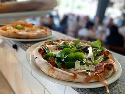 3. Pizza con Prosciutto e Rucola.jpg